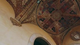 Palazzo Chigi Saracini in Siena, Toscanië, Italië stock videobeelden
