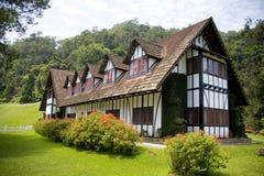 Palazzo coloniale di stile di Tudor immagine stock