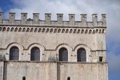 Palazzo-dei Consoli in Gubbio Stockbild