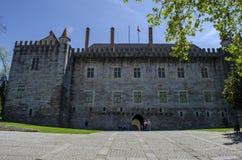 Palazzo dei duchi di Braganza La maggior parte del castello famoso a Guimaraes fotografia stock libera da diritti