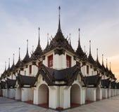 Palazzo del metallo di Loha Prasat in tempio di Wat Ratchanaddar Fotografie Stock