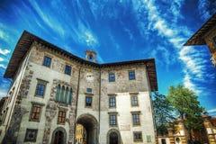 Palazzo dell'Orologio在比萨 免版税库存照片