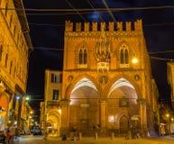 Palazzo della Mercanzia在波隆纳,意大利 免版税图库摄影