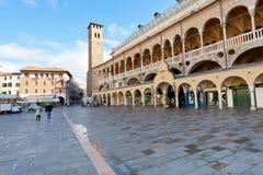 Palazzo della Ragione auf Marktplatz delle Erbe, Padua Stockfotos