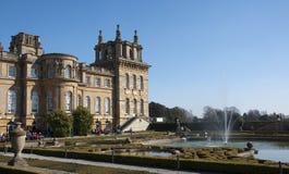 Palazzo di Blenheim dei giardini convenzionali Immagine Stock Libera da Diritti