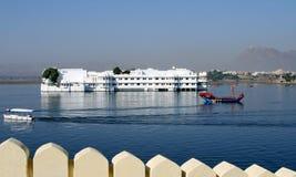 Palazzo di galleggiamento, India Fotografia Stock Libera da Diritti