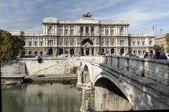Palazzo di Giustizia e fiume di Tevere - Roma Immagini Stock