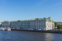 Palazzo di inverno che alloggia il Museo dell'Ermitage Fotografie Stock Libere da Diritti