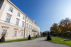 Palazzo di Mirabell con Hohensalzburg a Salisburgo, Austria Fotografia Stock