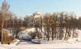 Palazzo di Pavlovsk all'inverno fotografia stock libera da diritti