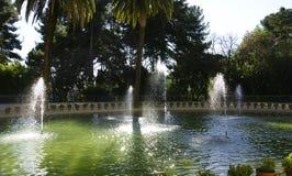 Palazzo di Pedralbes dello stagno e della fontana Immagini Stock Libere da Diritti