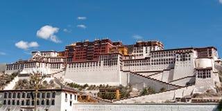 Palazzo di Potala contro un cielo di blus a Lhasa, Tibet Fotografie Stock Libere da Diritti