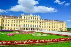 Palazzo di Schonbrunn su Sunny Day Fotografia Stock Libera da Diritti
