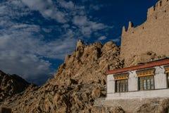Palazzo di Shey sulla montagna in Leh Ladakh, il Jammu e Kashmir, fotografia stock