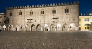 Palazzo ducale al mantua Lombardia Italia Europa di notte Immagini Stock Libere da Diritti