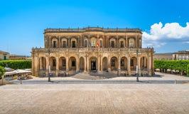 Palazzo Ducezio, Sitz des Stadtbezirkes von Noto Provinz von Syrakus, Sizilien, Italien stockbilder