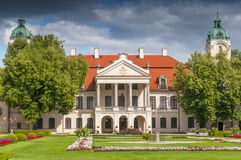 Palazzo e giardino di Kozlowka, residenza di Zamoyski, Polonia fotografie stock