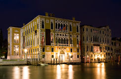 Palazzo Franchetti Cavallo la nuit images stock