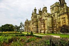 Palazzo gotico del castello di Margam immagini stock