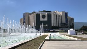 Palazzo nazionale della costruzione della cultura NDK a Sofia stock footage