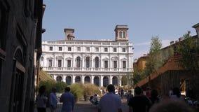 Palazzo Nuovo slott i Bergamo stock video