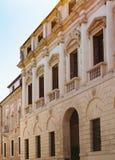 Palazzo på contra porti för gata i den Vicenza staden Royaltyfria Foton