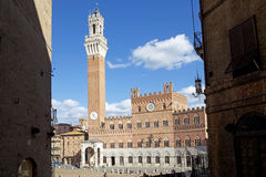 Palazzo Pubblico en Torre del Mangia, Siena, Italië Stock Fotografie