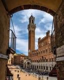 Palazzo Pubblico und Torre Del Mangia In Siena stockfoto
