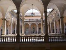 Palazzo Reale är en savojkålherrgård och ett nationellt museum på via Balbi i Genoa Italy Royaltyfri Fotografi
