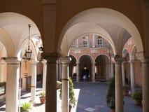 Palazzo Reale är en savojkålherrgård och ett nationellt museum på via Balbi i Genoa Italy Arkivfoto