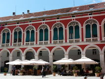 Palazzo rosso Immagini Stock