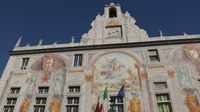 Palazzo San Giorgio och den h?gst?mda v?gen stock video