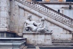Palazzo Senatorio (参议院宫殿)和字体的正面图 免版税库存图片
