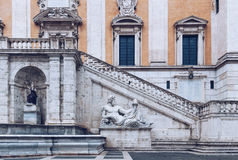 Palazzo Senatorio (参议院宫殿)和字体的正面图 免版税图库摄影