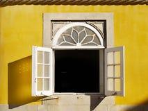 Palazzo Sintra Portogallo della finestra fotografie stock