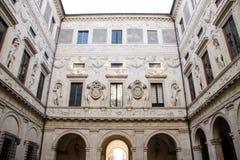 Palazzo Spada庭院 库存图片