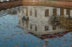 Palazzo in specchio Fotografia Stock Libera da Diritti