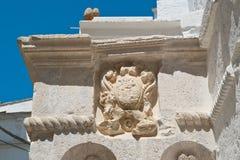 Palazzo storico Cisternino La Puglia L'Italia Immagini Stock