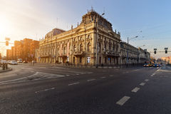 Palazzo storico di Poznanski, Lodz, Polonia sul tramonto Fotografie Stock