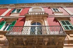 Palazzo storico Locorotondo La Puglia L'Italia Fotografia Stock Libera da Diritti