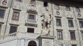 Palazzo stupefacente al quadrato di Cavalieri a Pisa - l'università del palazzo di Carovana - la Toscana archivi video