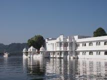 Palazzo Udaipur India del lago Immagine Stock