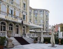 Palazzo Ungheria Ausonia dell'hotel con il suo esterno altamente decorativo nel cuore dell'isola del lido Fotografia Stock