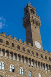Palazzo Vecchio обозревает della Signoria аркады Стоковое Изображение RF