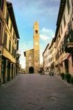 Palazzodei Priori op Piazza del Popolo in Montalcino, de Orka van Val D ` royalty-vrije stock foto