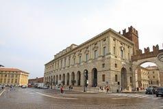 Palazzodella Gran Guardia op Piazza Bustehouder in Verona Royalty-vrije Stock Afbeelding