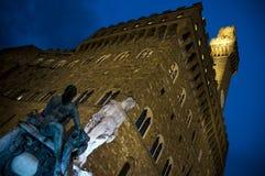 Palazzoen Vecchio på natten i Florence, Italien arkivbilder
