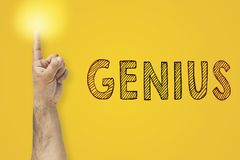 Palca up gest Oświetleniowy palec obok wpisowego geniusza Obraz Stock