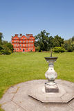 Palácio de Kew e Sundial, jardins de Kew Imagem de Stock