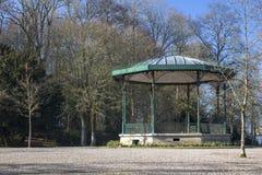 Palco dell'orchestra in giardini pubblici a St Omer, Francia fotografia stock libera da diritti